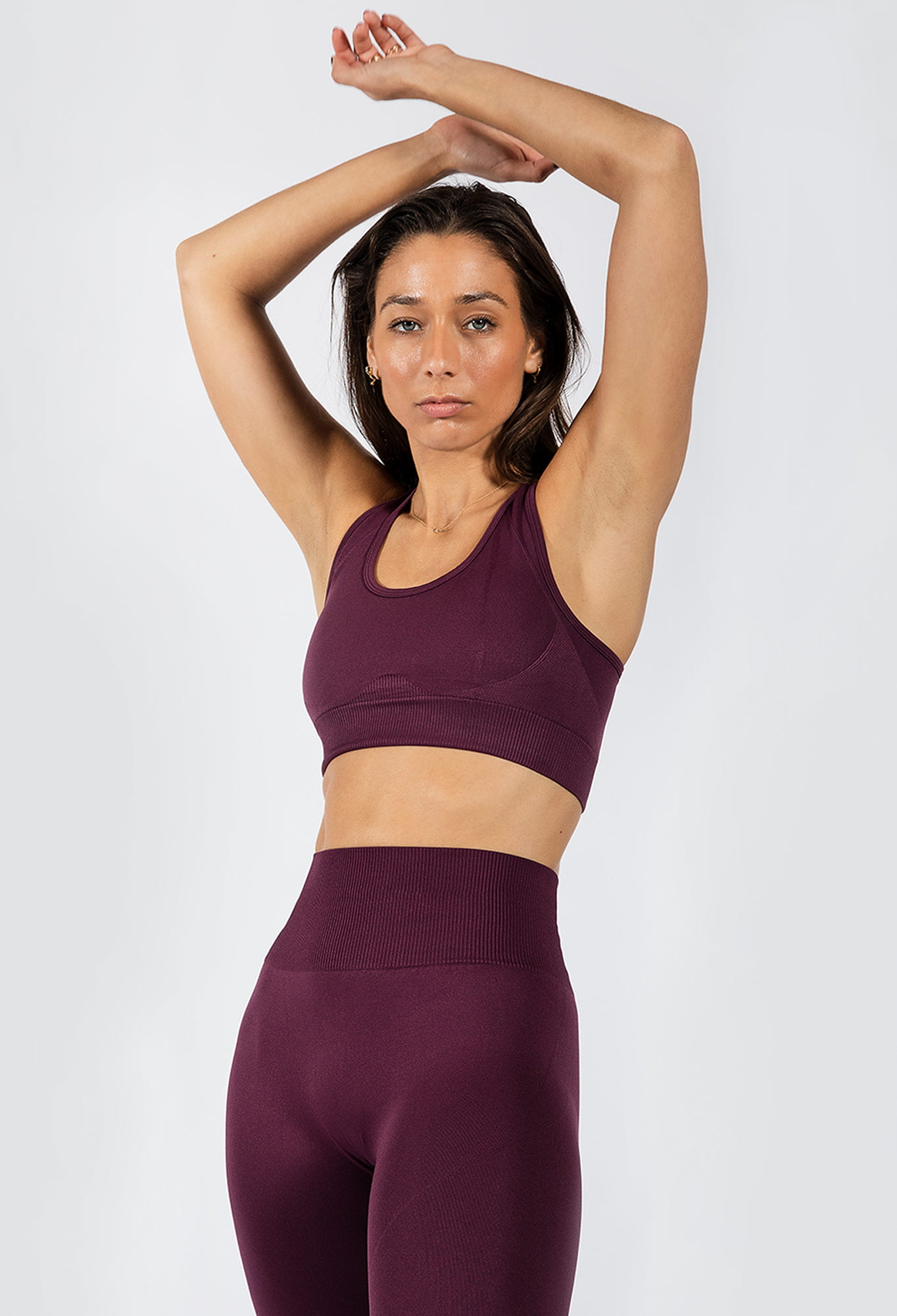 Muki women's sports bra in grape colour