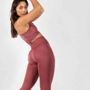 Muki women's yoga set in rouge pink colour