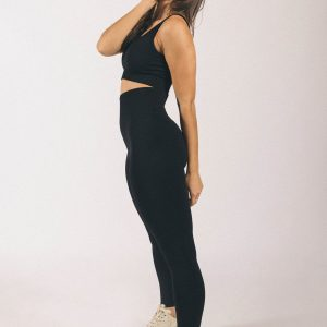 Seamless Ribbed Yoga Set in Graphite Black