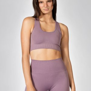 pretty girl wearing seamless sports bra in mauve colour
