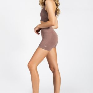 model dressed in high-waist seamless gym short in nude colour