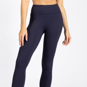 good looking woman wearing yoga pant from muki